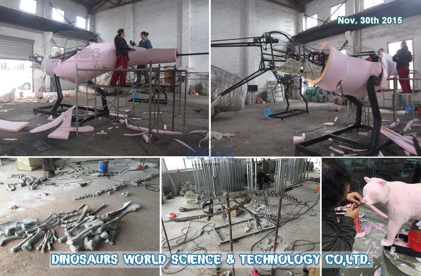 Metalna konstrukcija Animatronic T-Rexa i kostura dinosaura u tvornici