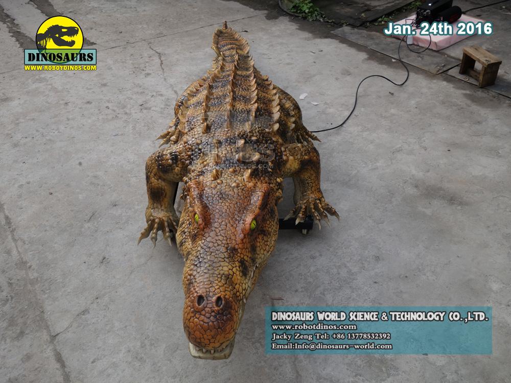 Robotski krokodil u prirodnoj veličini