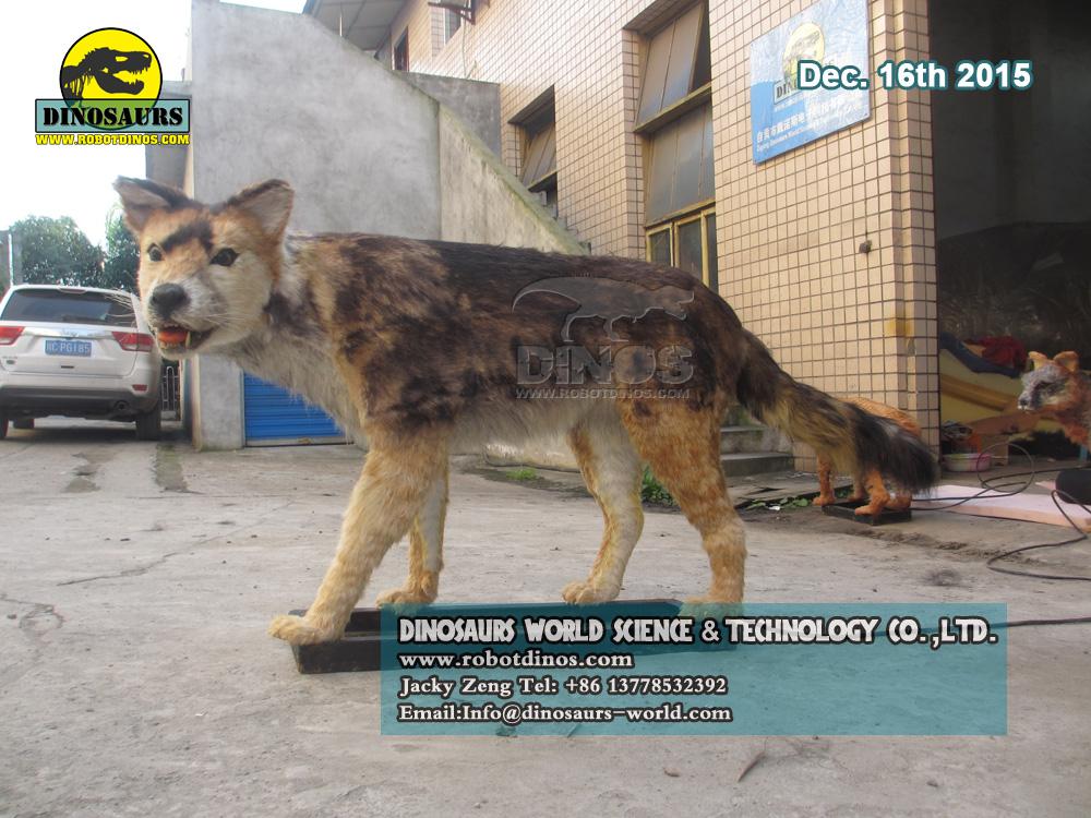 DWA3928 Animatronic Wolf