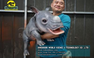 DWH006 Lutka za životinje beba nosoroga